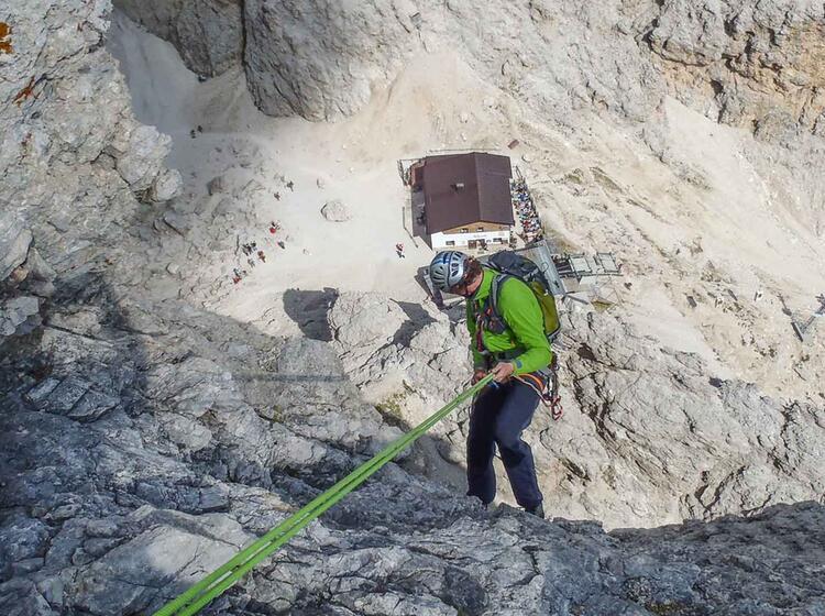 Abseilen In Den Dolomiten
