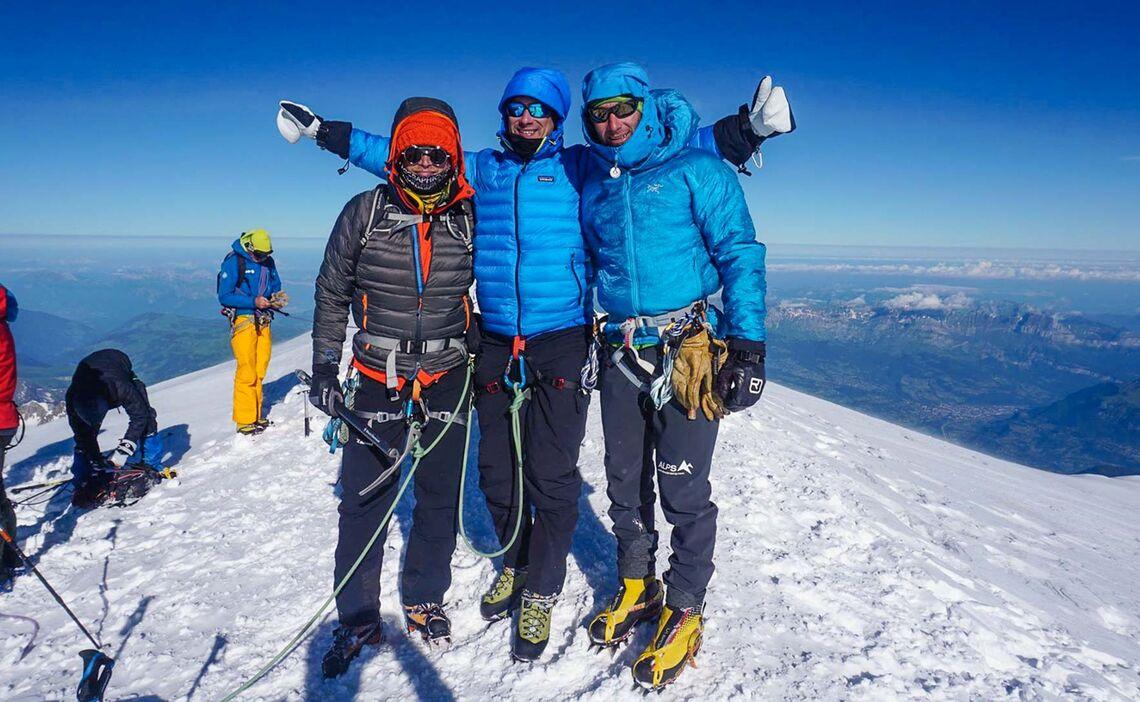 Am Gipfel Des Mont Blanc Auf Der Hochtourenwoche Mit Bergfuehrer