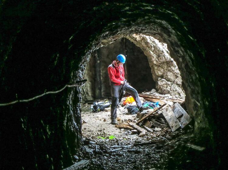 Auf Dem Weg Der Tunnelbauer In Der Eisenzeit An Der Zugspitze