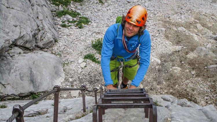 Bergfuehrer Michael Hornsteiner Am Klettersteigkurs An Der Alpspitze