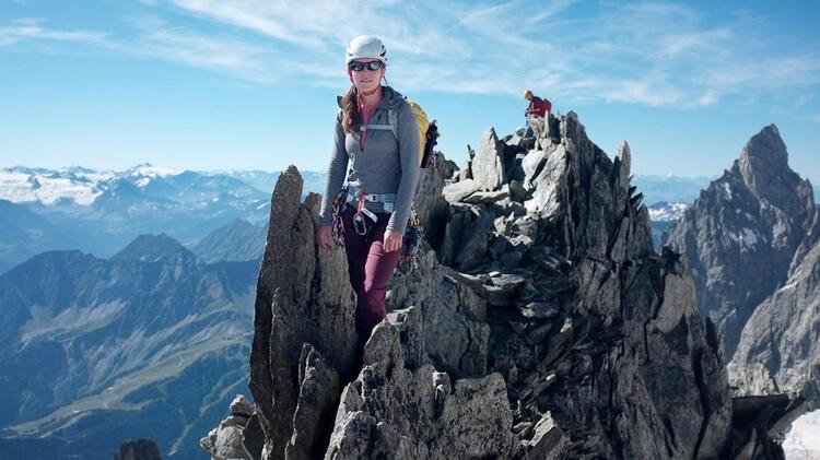 Bergwanderfuehrerin An Der Zugspitze Angelika Warmuth
