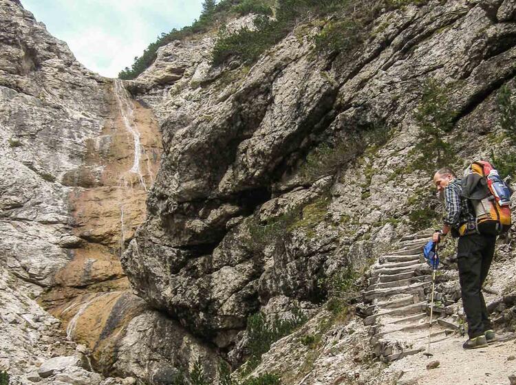 Bergwandern In Der Fanes In Den Dolomiten