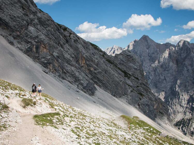 Berwandern An Der Zugspitze In Tirol Und Garmisch