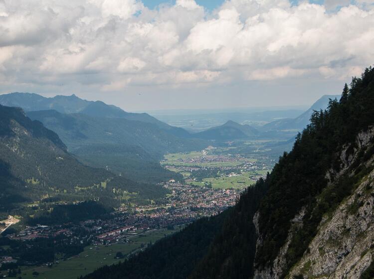 Blick Nach Garmisch Vom Kreuzeckhaus