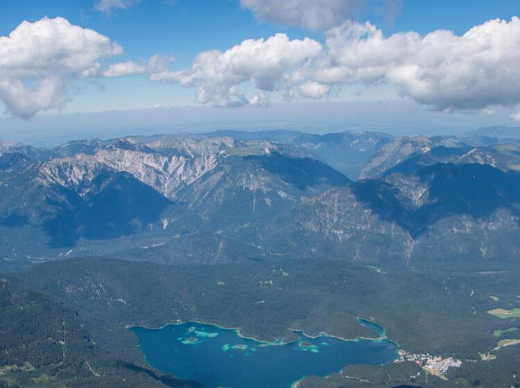Blick Zum Eibsee Von Der Zugspitze Auf Der Wanderung