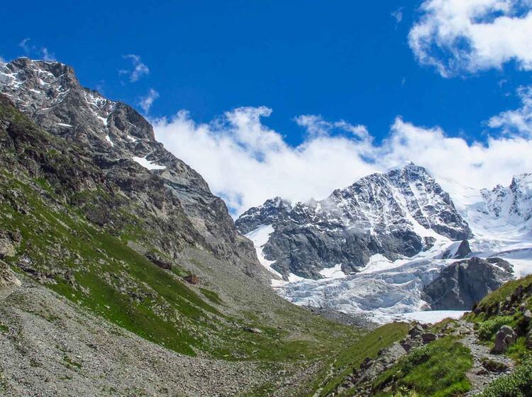 Der Bianco Grat Von Der Tschierva Huette Aus In Der Bernina Gruppe