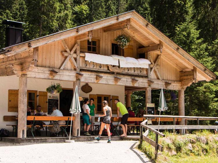 Die Bockhuette Im Reintal Auf Dem Weg Zur Zugspitze