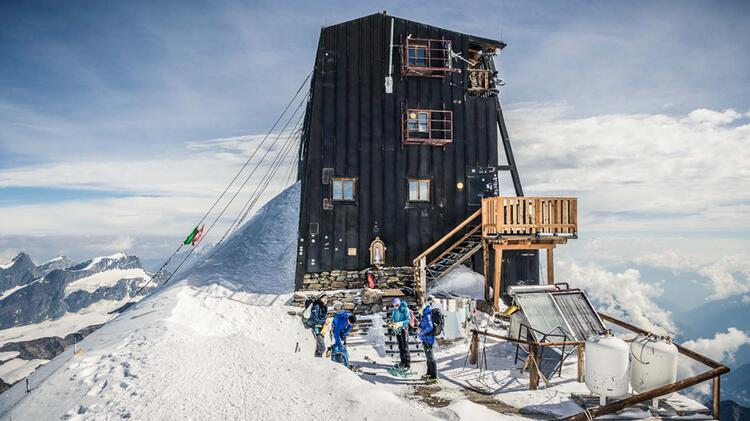Die Hoechste Huette Der Alpen Die Margherita Huette Im Monterosa Massiv