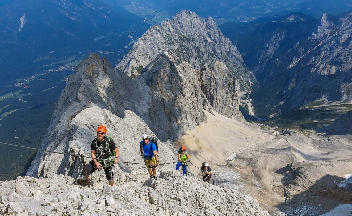 Klettersteig Höllental : Zugspitze höllental klettersteig mit bergführer