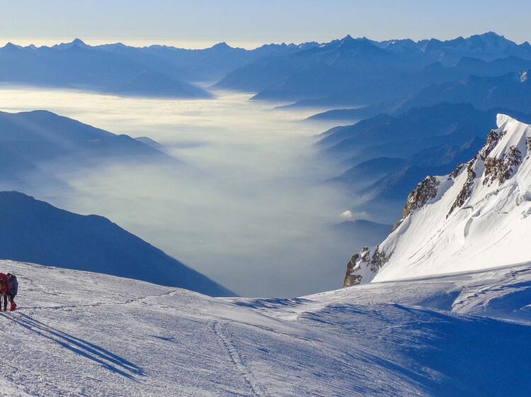 Die Letzten Meter Auf Der Mont Blanc Besteigung Mit Bergfuehrer