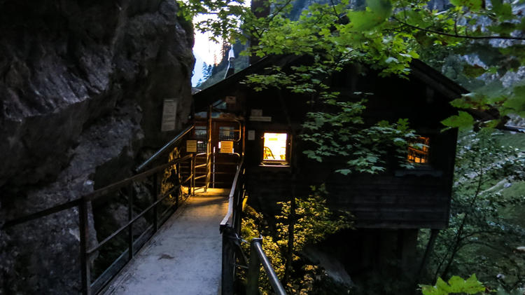 Eingang Zur Hoellental Klamm Auf Dem Weg Ueber Den Klettersteig Zur Zugspitze