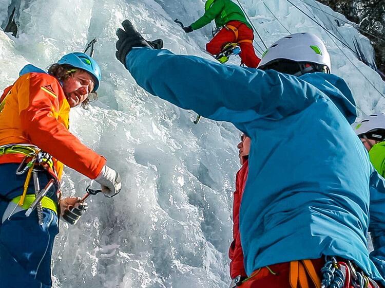 Eiskletterkurs Fuer Einsteiger Und Fortgeschrittene