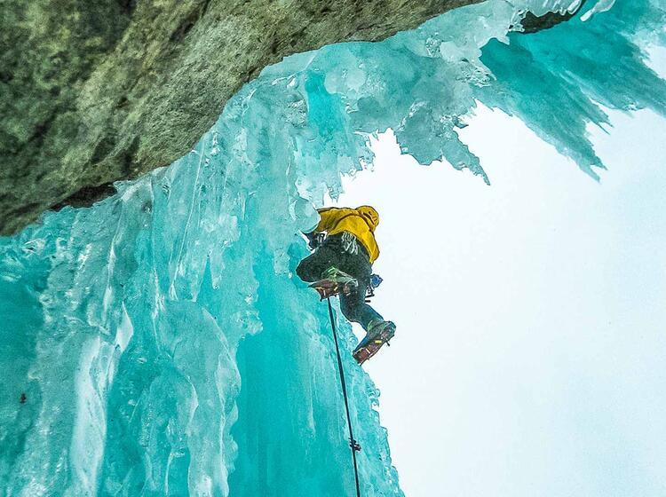 Eiskletterkurs Und Fuehrung In Den Dolomiten