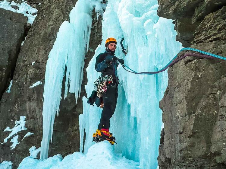 Eisklettern Am Eiskletterfestival In Kandersteg