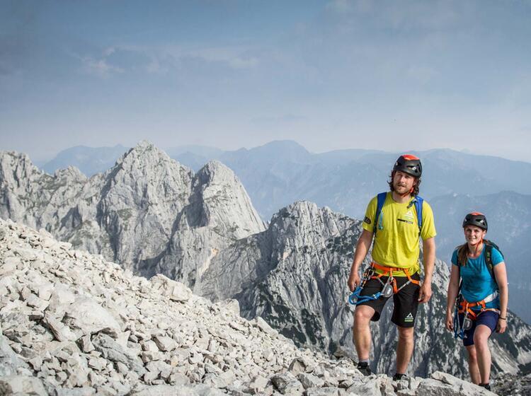 Fuehrung Ueber Die Via Ferrata Auf Die Alpspitze