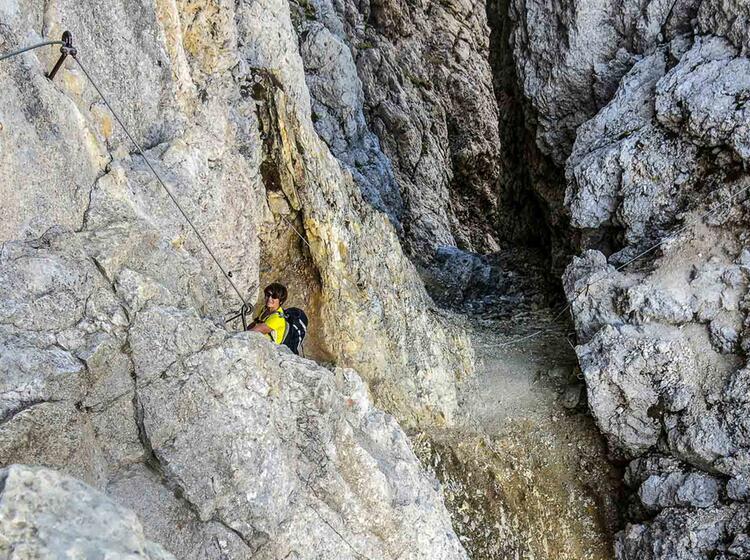 Gefuehrte Klettersteige In Den Dolomiten Am Sella Pass Und Groedner Joch