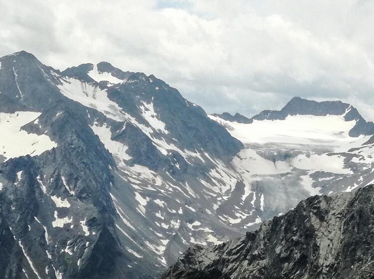 Gletscher Tiefblick Auf Der Alpenueberqerung Nach Meran