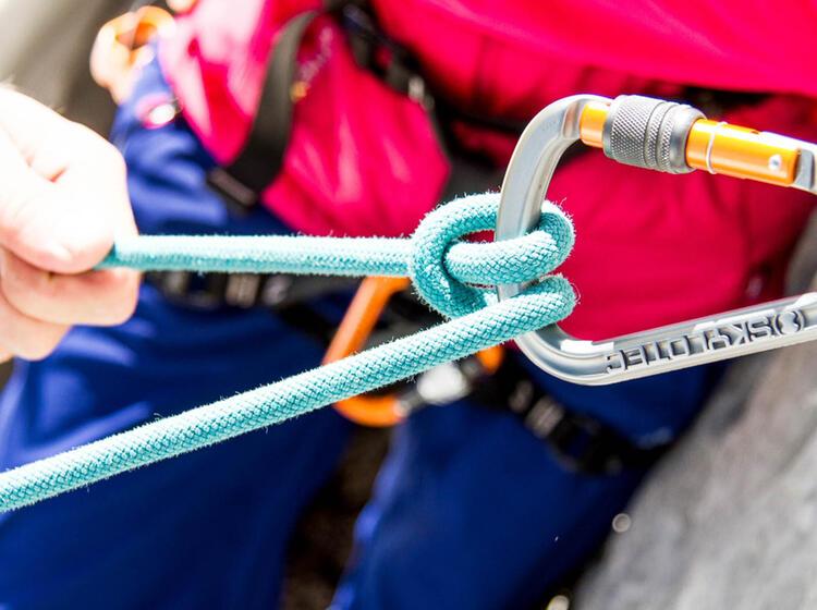 Halbmastwurf Knoten Lernen Am Kletterkurs In Garmisch An Der Alpspitze