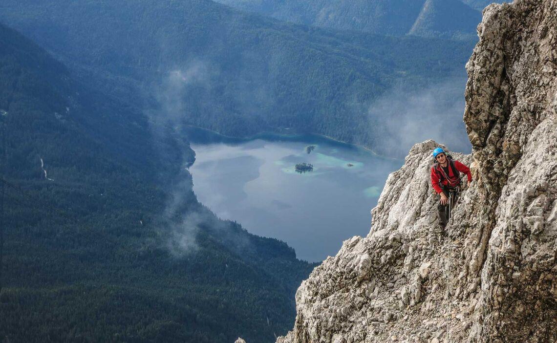 Klettern Ueber Dem Eibsee In Der Eisenzeit An Der Zugspitze Nordwand