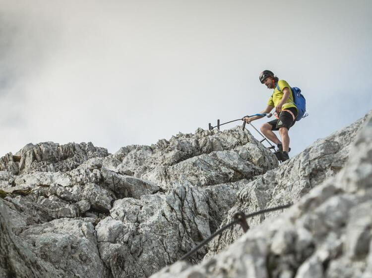 Klettersteig Gehen An Der Alpspitze In Garmisch
