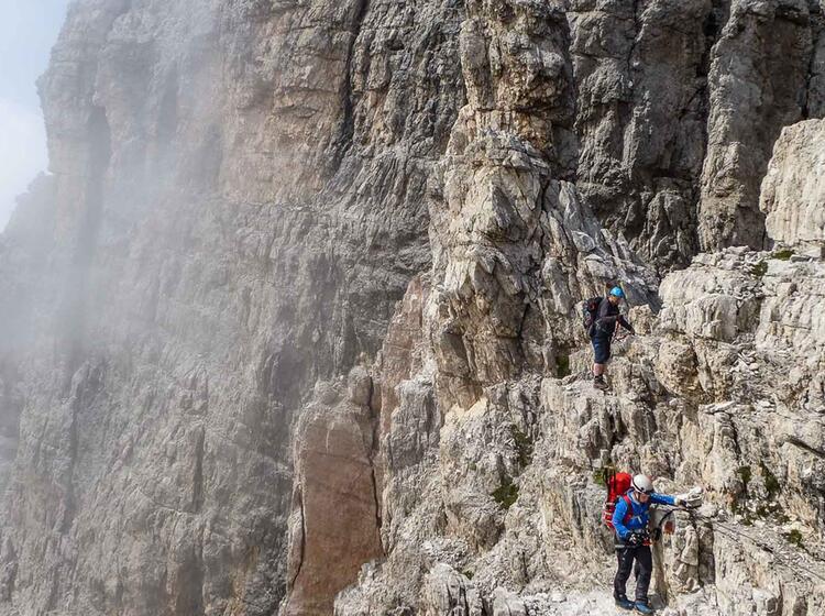 Klettersteig Gehen In Den Dolomiten Im Groedner Tal