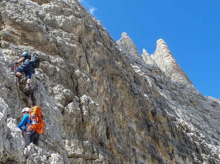 Klettersteigfuehrung In Den Dolomiten Cortina D Ampezzo