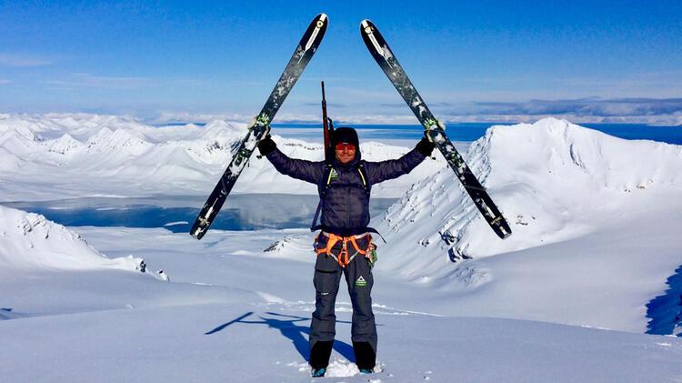 Marcel Rossbach Als Bergfuehrer Beim Skitouren In Spitzbergen