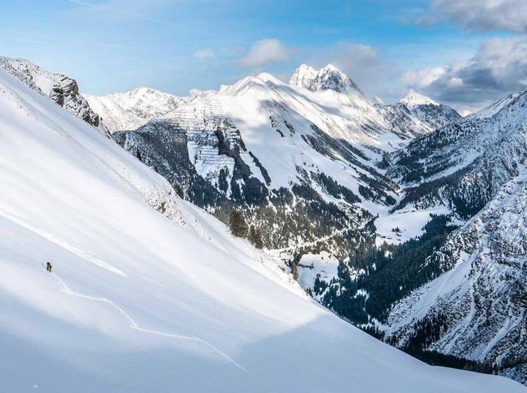 Mit Bergfuehrer Auf Skitour Im Lechtal