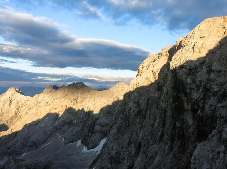 Mit Bergfuehrer Durch Die Eisenzeit In Der Nordwand Der Zugspitze