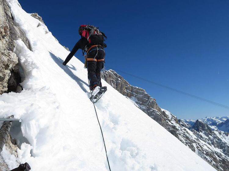 Mit Schneeschuh Besser Im Weichen Firn Im Aufstieg Zur Zugspitze