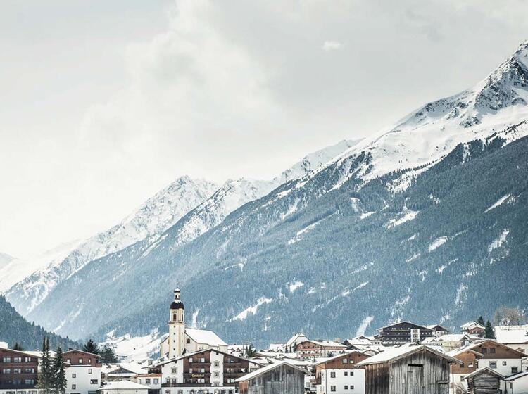 Neustift Im Stubai Tal Ausgangspunkt Fuer Tiefschneefahren Auf Dem Stubai Gletscher