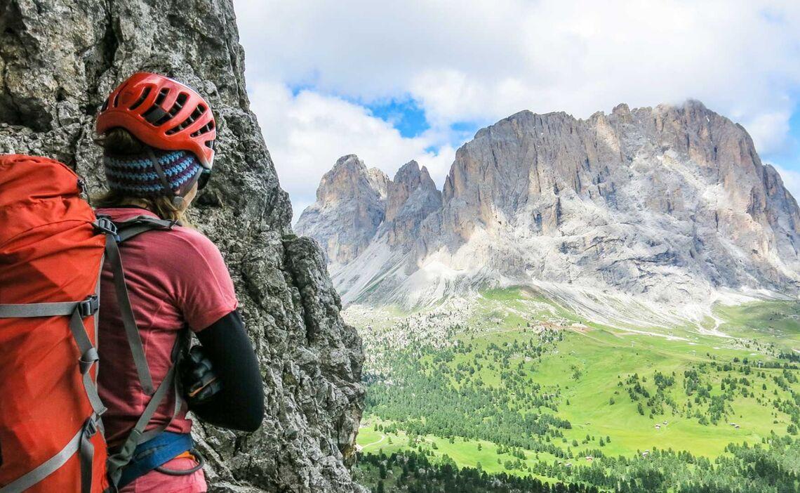 Poessnecker Klettersteig Mit Ausblick Auf Den Langkofel
