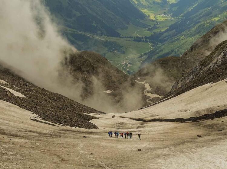 Schneefeld Auf Der Alpenueberquerung Vom Watzmann Zu Den Drei Zinnen