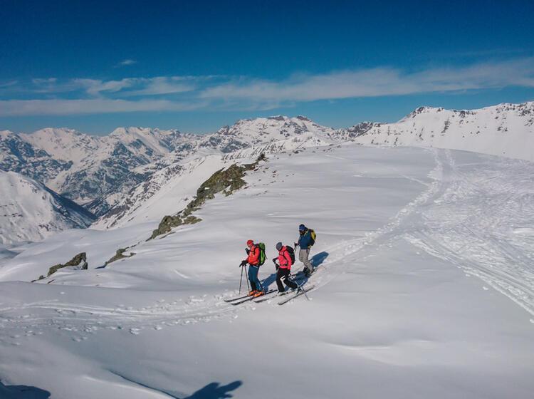 Skitouren Und Tiefschneefahren Lernen Mit Bergfuehrer In Livigno