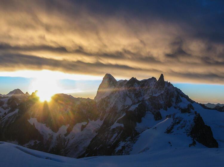 Sonnenaufgang An Der Mont Blanc Ueberschreitung