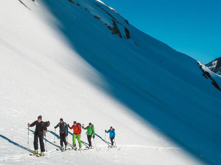 Spuranlage Auf Dem Skitourenkurs Erlernen