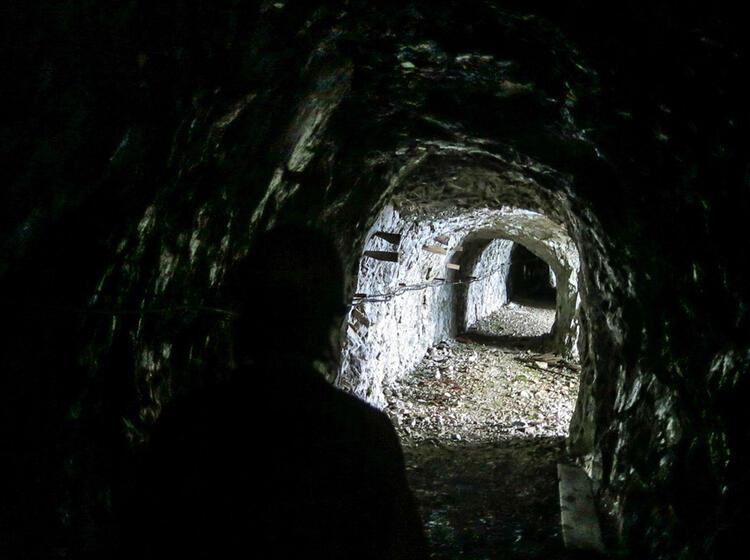 Tunnelbau In Der Zugspitz Nordwand Auf Den Spuren In Der Eisenzeit