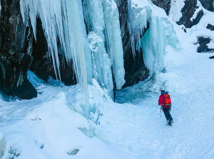 Unza Hlige Eisfa Lle In Norwegen Zum Eisklettern