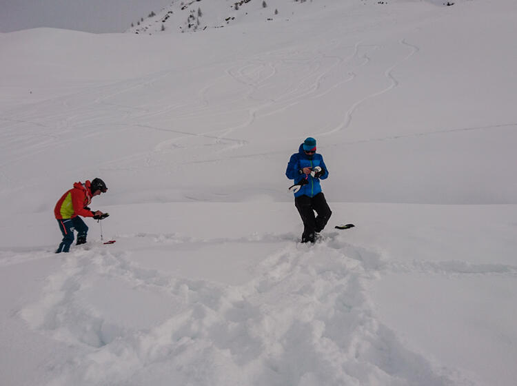 Verschuettetensuche Am Skitourenkurs Livigno