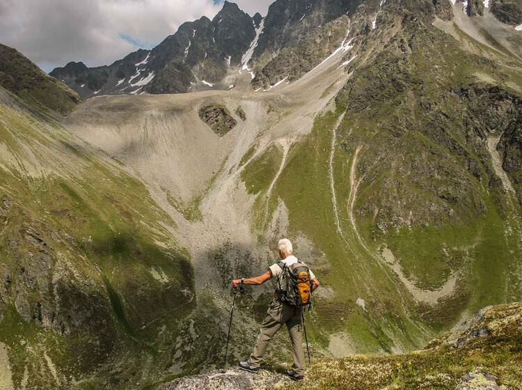 Wandern Mit Bergwanderfuehrer In Den Oetztaler Alpen