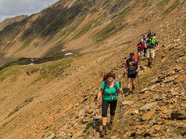 Wandern Quer Ueber Die Alpen Mit Fuehrer