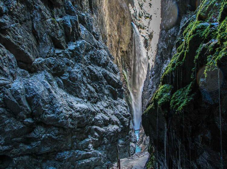 Wandern Rund Um Die Zugspitze In Der Hoellentalklamm