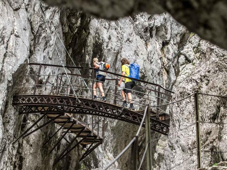 Zustieg Zum Zugspitze Klettersteig Hoellental Durch Die Klamm